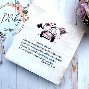 Apa szülőköszöntő doboz, Szülőköszöntő ajándék, Emlék & Ajándék, Esküvő, Decoupage, transzfer és szalvétatechnika, Famegmunkálás, Apa köszöntésére alkalmas szöveges fa dobozka. Bele teheted gyerekkori fényképeiteket,emlékeiteket.\n..., Meska