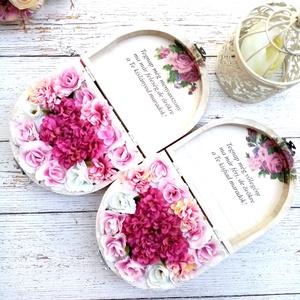 Szülőköszöntő mályva viragbox, Esküvő, Esküvői csokor, Esküvői dekoráció, Meghívó, ültetőkártya, köszönőajándék, Fa fehérre festett szülőköszöntő viragbox ládika. Minőségi selyemvirágokkal. Átmérője kb. 14 cm Tová..., Meska