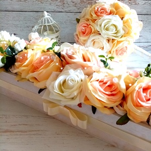 Esküvői romantikus asztaldísz, Esküvő, Esküvői dekoráció, Esküvői csokor, Csodás esküvői selyemvirágos,gyöngy füzéres asztaldísz. 50x18x10 cm Amennyiben más színvilágban szer..., Meska