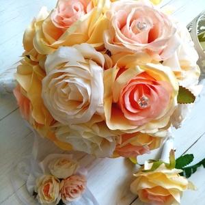 Glamour selyemvirág csokor, Esküvő, Esküvői csokor, Csodás minőségi pasztell selyemvirág csokor pasztell-barackos színekben. Apró tű díszekkel. Magasság..., Meska