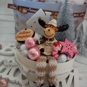 Mini reni, Otthon & Lakás, Karácsony & Mikulás, Karácsonyi dekoráció, Virágkötés, Kicsi méretű renszarvasos adventi ajándék kísérő. Átmérője kb. 10 cm, Meska