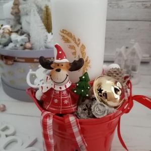 Kaspós reni asztaldisz, Otthon & Lakás, Karácsony & Mikulás, Karácsonyi dekoráció, Virágkötés, Renszarvasos adventi asztaldísz. Kb. 21 cm magas 14 cm szeles, Meska