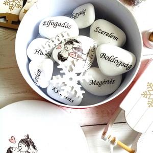 Egyedi díszkő, Otthon & Lakás, Dekoráció, Kavics & Kő, Decoupage, transzfer és szalvétatechnika, Motivációs szavas személyre szóló ajándék lehet kedvesednek szerettednek. /kérheted egyedi szavakkal..., Meska