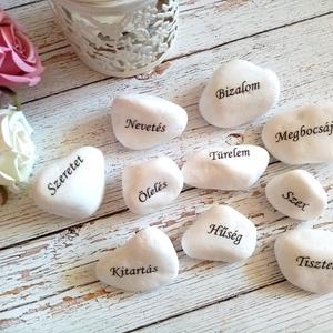 Motivációs kő garnitúra szerelmeseknek, Otthon & Lakás, Dekoráció, Kavics & Kő, Decoupage, transzfer és szalvétatechnika, 10 kővecskéből áll a garnitúra. Kérheted személyre szabva más szavakkal is. Kő mérete kb. 4-6 cm től..., Meska
