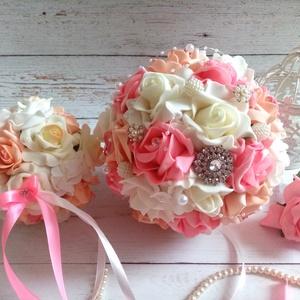 Ékszer csokor garnitúra, Esküvő, Menyasszonyi- és dobócsokor, Menyasszonyi- és dobócsokor, Virágkötés, Csodás impozáns színekből, pink, vaj, cirmos barack habrózsákból készült a garnitúra. Tartalma 1 örö..., Meska