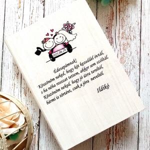 Apa szülőköszöntő ládika, Esküvő, Emlék & Ajándék, Szülőköszöntő ajándék, Decoupage, transzfer és szalvétatechnika, Édesapa szülőköszöntő könyv formájú ládika. Gyűjtsd bele közös emlékeiteket.\n, Meska