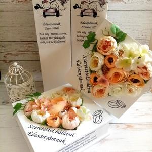Szülőköszöntó szives virágboxal, Esküvő, Emlék & Ajándék, Szülőköszöntő ajándék, Decoupage, transzfer és szalvétatechnika, Virágkötés, Szülőköszöntó garnitúra tartalma:2 db fa bortartó, 2db selyemvirágos szöveges virágbox, Meska
