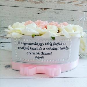 Nagymama szív vitágbox, Esküvő, Emlék & Ajándék, Szülőköszöntő ajándék, Decoupage, transzfer és szalvétatechnika, Virágkötés, Szívhez szoló üzenettel örök habrózsa vitágbox. További termékeimet megtekintheted ZsanPhilip oldala..., Meska