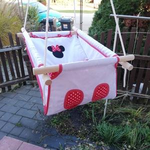 Minnie egér, applikált mintás hinta, Gyerek & játék, Játék, Kerti játék, Famegmunkálás, Varrás, Erős vászonból készül ez a baba hinta, mely születéstől használható 25 kg-ig.\n\nNAGY MÉRETŰ!!! 50 x 7..., Meska