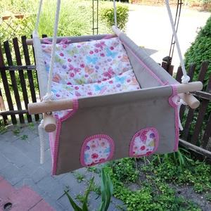 100 % pamut drapp - pillangós hinta, Gyerek & játék, Baba-mama kellék, Gyerekszoba, Varrás, Famegmunkálás, Erős vászonból készül ez a baba hinta, mely születéstől használható 25 kg-ig.\n\nNAGY MÉRETŰ!!! 50 cm ..., Meska