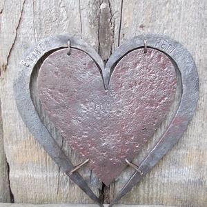 Szív a szívben, Falra akasztható dekor, Dekoráció, Otthon & Lakás, Kovácsoltvas, Kovácsolással készült szív.\nMérete: kb 20 cm, Meska