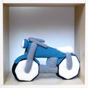 Horgolt motor, Játék, Gyerek & játék, Baba játék, Plüssállat, rongyjáték, Horgolás, Baba-és bábkészítés, Pihe-puha superwash merino gyapjú és pamut keverékéből készült horgolt motor. A különlegesen igényes..., Meska