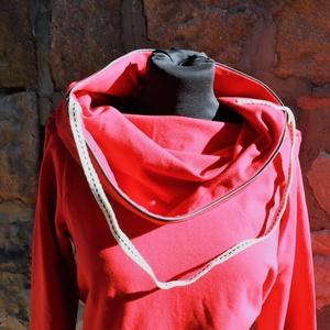 táskapulcsi, piros, Táska, Divat & Szépség, Női ruha, Ruha, divat, Kabát, Varrás, Raglán ujjú táskapulcsi, piros színben. A klasszikhoz képest testhezállóbb a felső részénél. \n\nTáská..., Meska