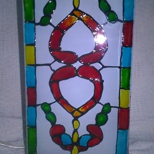 Asztali lámpa ablakfestés motívumokkal, Dekoráció, Otthon & lakás, Lakberendezés, Lámpa, Hangulatlámpa, Festett tárgyak, Az asztali lámpa mutívumait az 1850-es években kialakult ablakok festésének a motívumai.\nEbben a rég..., Meska
