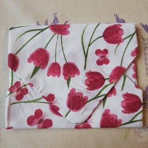 Textil Tépőzáras Szalvéta - virág mintával, NoWaste, Varrás, Kívül - belül Textil szalvéta tépőzárral! Ideális szendvics csomagolásához! Mosógépben mosható, több..., Meska