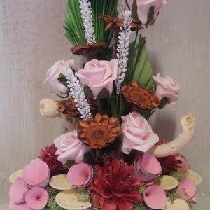 Rózsás asztaldísz, Otthon & lakás, Egyéb, Dekoráció, Dísz, Lakberendezés, Asztaldísz, Virágkötés, Termés és rózsaszín rózsák jól kiegészítik egymást. Élénk mégis természetes hatású összeállítás .Tér..., Meska