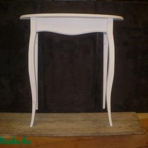 íveslapú konzolasztalka, Otthon & Lakás, Asztal, Bútor, Tömör fenyőfából készült cabriollábas konzolasztal, íves lappal. magasság: 90 cm asztallap mérete: 7..., Meska