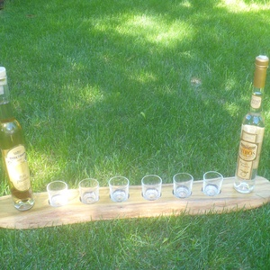 pálinka kínáló, Esküvő, Famegmunkálás, Mindenmás, Vendégek kínálására, welcome drink,\n6 poharas, tömör akácfábóll, lenolajjal kezelve.\nAz ár a 6 db po..., Meska