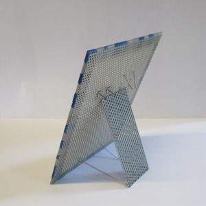 Alumínium fülbevaló tartó állvány - színes, kék-ezüst mozaik díszítéssel (ZsozsoDesign) - Meska.hu