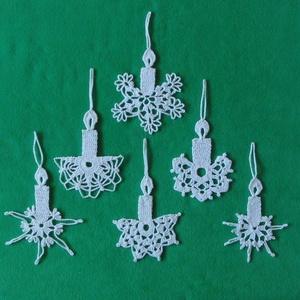 Karácsonyi lapos angyal és gyertya  horgolt fenyő dísz, Karácsonyfadísz, Karácsony & Mikulás, Otthon & Lakás, Horgolás, Az angyalka 100%-os pamut fonalból  készül. \nRendelésre is készítek különböző mintákkal!!!!!\nAz ár 1..., Meska