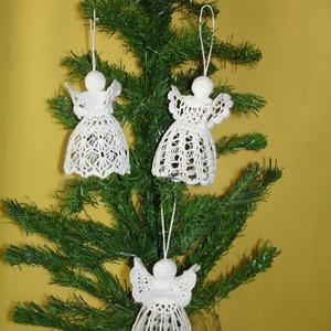 Karácsonyi angyal horgolt fenyő dísz, Karácsonyfadísz, Karácsony & Mikulás, Otthon & Lakás, Horgolás, Az angyalka 100%-os pamut fonalból  készül. \nRendelésre is készítek különböző mintákkal!!!!!\nAz ár 3..., Meska
