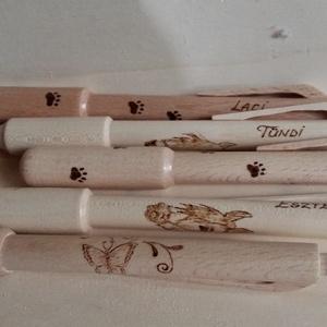 Személyre szóló, pirográf technikával díszített fa tollak - toll csomag 5 db-os, Ceruza & Toll, Papír írószer, Otthon & Lakás, Famegmunkálás, Festett tárgyak, A tollakat minőségi bükk, és jávorfából esztergálom. A díszítést pirográf technikával kézzel égetem ..., Meska
