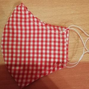 Piros kockás maszk, Ruha & Divat, Maszk, Arcmaszk, Női, Varrás, 2 réteg vékony pamutvászonból készült,oldalán kalapgumival.\n24x15 cm\n40 fokon mosható., Meska