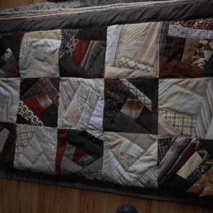 Patchwork ágytakaró/ foltvarrás, Otthon & lakás, Lakberendezés, Lakástextil, Takaró, ágytakaró, Patchwork, foltvarrás, Virágkötés, Apró darabokból, aprólékos munkával varrtam ezt az ágytakarót. \n3 rétegű, jó tartású, így elsősorban..., Meska