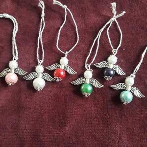 Karácsonyi angyalok, Karácsonyfadísz, Karácsony & Mikulás, Otthon & Lakás, Gyöngyfűzés, gyöngyhímzés, Kölönböző színű teklagyöngyből szereltem össze az angyalkákat.\n\nHa többre lenne szükséged jelezd bát..., Meska