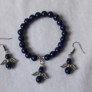 Lapis lazuli ásványkő karkötő és fülbevaló angyalkával., Ékszer, Fülbevaló, Karkötő, Gyöngyfűzés, gyöngyhímzés, Ékszerkészítés, 8 milliméteres lapis lazuli ásványkarkötő és fülbevaló.\nHa logós fülbevalót is kérsz hozzá az 800 ft..., Meska