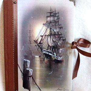 Hajós napló - A fregatt, Otthon & lakás, Naptár, képeslap, album, Jegyzetfüzet, napló, Papírművészet, Napló a hajók szerelmeseinek. \nMéret: 14,7 x 20,5 x 1 cm, (A/5-ös méret, kb. 90-95 üres lapokkal, de..., Meska