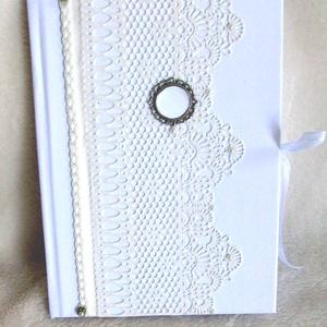 Csipke mintás ESKÜVŐI VENDÉGKÖNYV , Vendégkönyv, Emlék & Ajándék, Esküvő, Decoupage, transzfer és szalvétatechnika, Papírművészet, Ez a vendégkönyv egyedi kérésre készült, de megrendelheted az esküvődhöz igazodó színekkel.\nIgazi el..., Meska