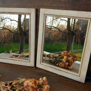 Rusztikus tükrök, Dekoráció, Otthon & lakás, Lakberendezés, Képkeret, tükör, Festett tárgyak, Kis méretű, egyszerű vonalvezetésű képkereteket újítottam fel. Tört fehérre festettem, viasszal keze..., Meska