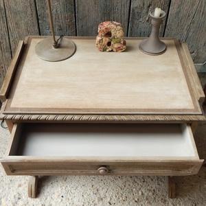 Antikolt asztalka (Zsuzskalak) - Meska.hu