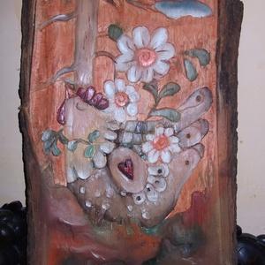 """Egyedi,kézzel szobrászolt fa dombormű ,falikép,relief\""""VIRÁGOK\"""", Képzőművészet, Otthon & lakás, Festmény, Szobor, Olajfestmény, Szobrászat, Famegmunkálás, Fafaragás,egyedi,kézzel szobrászolt fa dombormű,olajjal festett relief. A falikép,könnyed vidám stíl..., Meska"""