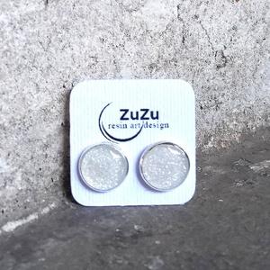 Csillogó fehér műgyanta pötty fülbevaló  - Meska.hu