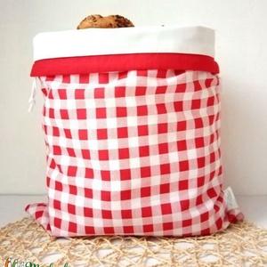 Kockás kenyeres zsák, közepes, frissentartó, Táska & Tok, Bevásárlás & Shopper táska, Kenyeres zsák, Varrás, Közepes méret.\nKét rétegű kenyeres zsák, kívül mintás, belül vízhatlan, lélegző, PUL anyag, ez friss..., Meska