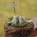Szerelmes madárpár mohaágyon- Ajándék Valentin-napra, Otthon & Lakás, Ház & Kert, Kerti dísz, Mindenmás, Valentin-napi szerelmes madárpár koronával  Mérete: 7x6x4 cm  /db  (A madárkákat mohaággyal, fészek..., Meska