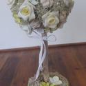 Romantikus rózsafa kaspóban, Dekoráció, Otthon, lakberendezés, Dísz, Asztaldísz, Virágkötés, Ezt a rózsafát hungarocell gömbre díszítettem. Használtam hozzá zuzmót, terméseket, gyöngyöket papí..., Meska