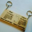 Puzzle kulcstartó - pároknak, Páros kétrészes fa kulcstartó, amelyen a szere...
