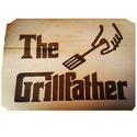 """Grillfather-vágódeszka, Konyhafelszerelés, Vágódeszka, Égetett kialakítású fa vágódeszka, """"The Grillfather"""" felirattal,  motívummal. Mérete: 25*35 ..., Meska"""