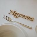 Esküvői ültető névtáblák, Fából kivágott névtáblák. Egyedi és elegán...