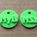 Iskolakezdésre monogrammal ellátott biléta, Mindenmás, Kulcstartó, Mindenmás, Igény szerint készített ismertetőjel 3D nyomtatással környezetbarát alapanyagból. 18 színből válasz..., Meska