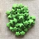 Élénk zöld origami szerencsecsillagok 20 db/csomag, Dekoráció, Otthon, lakberendezés, Papírművészet, Önmagukban is kedves ajándékok lehetnek ezek a csillagocskák, de válogass bátran a színek között, v..., Meska