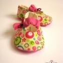 Bohém virágok minilány cipő kobak részére, A terméket kobak részére töltöttem fel, kérl...