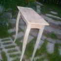 konzolasztalka, Bútor, Dekoráció, Asztal, Tömör fenyőfából készült cabriollábas konzolasztal magasság: 90 cm asztallap mérete:70x30 cm natúr; ..., Meska