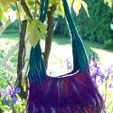 padlizsán gyapjú táska, Táska, Válltáska, oldaltáska, Nemezelés,    Több színű (lila,mályva,türkiz) bergschaf gyapjúból készítettem nemezeléssel. Sok színes selyem ..., Meska