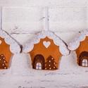 """""""Mézeskalács házikó"""" karácsonyfadísz szett, Dekoráció, Ünnepi dekoráció, Karácsonyi, adventi apróságok, Karácsonyfadísz, Filcből készült karácsonyfadíszek, gyöngyökkel díszítve. 100%-ban kézzel varrott :)  Az á..., Meska"""