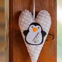 """""""Karácsonyi pingvin"""" filc dísz, Dekoráció, Ünnepi dekoráció, Karácsonyi, adventi apróságok, Karácsonyi dekoráció, Filcből készült dísz, amely ajtódíszként vagy karácsonyfadíszként is használható.  100%-..., Meska"""