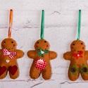 """""""Mézik 1."""" karácsonyfadísz szett, Dekoráció, Ünnepi dekoráció, Karácsonyi, adventi apróságok, Karácsonyfadísz, Filcből készült mézeskalács emberkék gombokkal, gyöngyökkel díszítve.  100%-ban kézzel va..., Meska"""